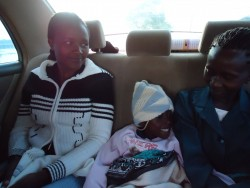 Felix, taxi Donyo naar Ol Kalou, Lilian en mama Annette