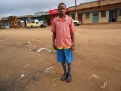 Anthony, Donyo Sabuk, voor de matatu vertrekplaats