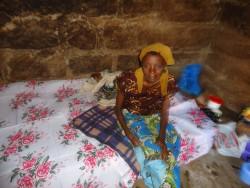 Rose op haar nieuwe bed, Ndulya, Kenya