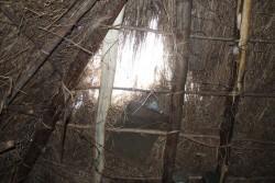 Park Village, Kenia,het dak van het huisje van de alleenstaande vader en drie kinderen
