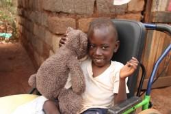 Felix met Balou, zijn door Happy Horse gesponsorde nieuwe vriendje, Ol Donyo Sabuk, Kenia