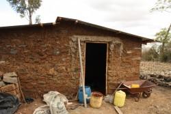 De nieuwe tweekamerwoning van Catherine en haar kinderen in Baringo, Kenia