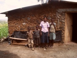 hoog in de bergen, voor het nieuwe huis, Baringo, DOnyo Sabuk, Kenia