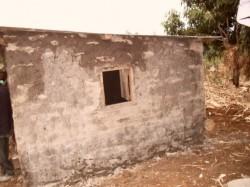Huis, Baring, Kenia, Anthony, Crisis Hulp, Circle4life