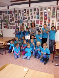 Overhandiging cheque Het Spectrum, sponsorloop, Circle4life projecten Kenia