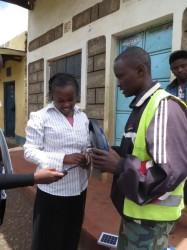 Solar lampen, ruraal gebied Kenia, Ndulya, Grace, tienermoeder