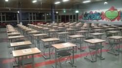 De nog lege tafels in de zaal van het Groene Hart Lyceum, vlak voor aanvang van het GAD, sponsoring Circle4life