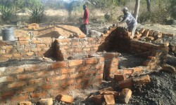 Crisis hulp, Circle4life Kenya, Kitambaasye, home construction