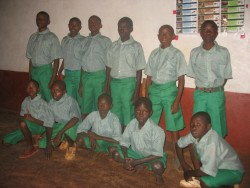De jongens die via DISC worden geholpen met school, Donyo Sabuk, Kenia