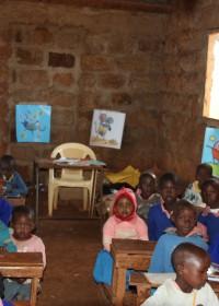 Baringo, Donyo Coffee Primary School, de hele klas versierd met posters en slingers