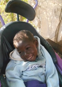 Paul, spastisch geboren na zuurstoftekort, medische hulp, family empowerment, Kenya, Ndulya, Circle4life CBO