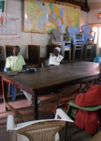 Demo on do's and don'ts for the solar light, Circle4life CBO Kenya, stichting Circle4life