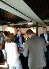 Sponsors van Circle4life nemen deel aan de wijnproeverij door Soroptimistclub