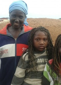 Monica, Christine en Beatrice met oma Beatrice, Merry Xmas, Circle4life, family empowerment