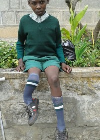 Onesmus in Ol Kalou, een nieuw schooluniform, nieuw huis en een spannende tijd! Medische hulp, kinderen met een handicap, Circle4life