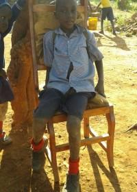 Charles Musyoki, een achtjarige jongetje wat niet kan praten. Door spraakles en onderwijs werken we aan zijn zelfvertrouwen en toekomst, Circle4life Kenia