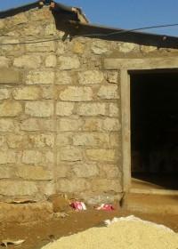 Het nieuwe huis voor het gezin van de ernstig zieke John uit Donyo Sabuk, Kenia, family empowerment, Circle4life