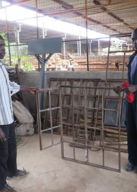 Josephat en leraar bij Kolping Vocational Training Centre, welding, Kiandutu, Circle4life Kenia