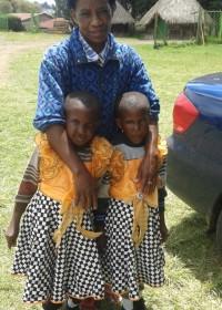 Vakantie voor tweeling Faith en Mercy, in september keren ze terug naar revalidatiecentrum Ol Kalou, Medical Assistance, Circle4life Kenya, Rehabilitation Centre Ol Kalou