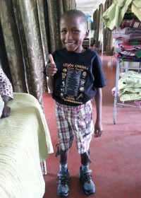 Eric Mutuua, aangeboren staar, oogoperatie Kikuyu Hospital, Kenia, Medical aid, crisis aid, Circle4life