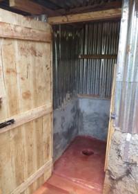 Een toilet gebouwd door Circle4life, Family Empowerment, hygiene, rurale gebieden Kenia