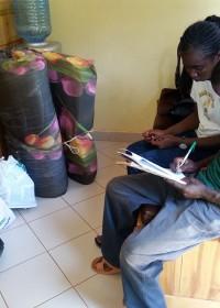 Inschrijven voor de opleiding tot timmerman, Kennedy Musila uit de sponsorprogramma's van Circle4life is er klaar voor!