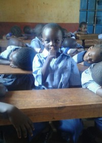 Deno in de Nursery, zijn klasgenootjes slapen na de lunch op school, Donyo Sabuk, Education, Circle4life Kenya