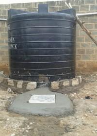 Klus geklaard, de waterstank staat, Circle4life Kenya, education, family empowerment