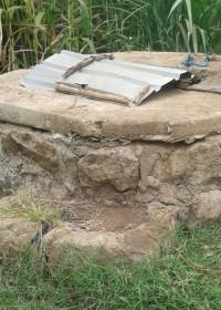 De waterput bij het huis voor Felistar en haar broers en zusjes, Kenia