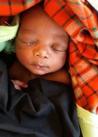 De eerste medische controles voor kleine Charles, Circle4life Kenya