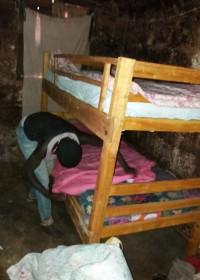 Bedden en beddengoed/klamboe's voor Pauline en haar kinderen, family empowerment, Circle4life Kenya