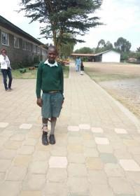 Onesmus Musyoki terug in revalidatie centrum Ol Kalou, in afwachting van de operatie, Circle4life Kenya, medische hulp