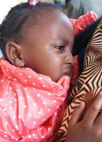 Een gespannen koppie, de operatie komt dichterbij, heupoperatie Akoth, Circle4life Kenia
