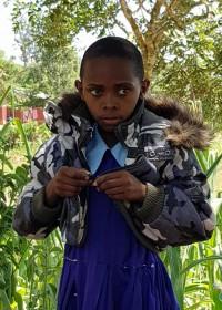 Syowai in haar nieuwe jas, sponsorkleding, Circle4life
