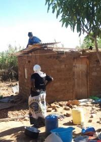 Oma Beatrice, Makutano, renovatie huis, crisis hulp, Circle4life