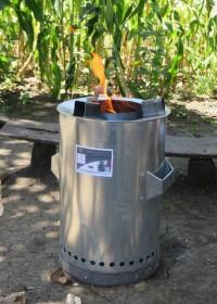 M2 Jiko, Wisdom Stoves, energie besparend, minder uitstoot, 50% minder hout, family empowerment