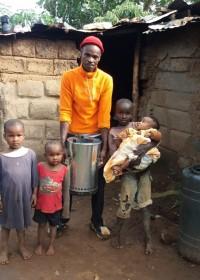 Mundia en kids, energy saving Jiko, family empowerment, Circle4life Kenya