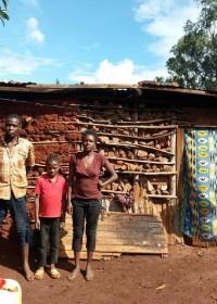 Het bouwvallige huis van Alice en haar gezin, Kamunyu, Kenya, crisis hulp, Circle4life