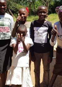 Internationale Vrouwendag, Serah en haar kinderen, Kitambaasye, family empowerment, Circle4life Kenya