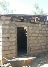 De bouw is bijna klaar, family empowerment, Circle4life Kenia, Kamunyu