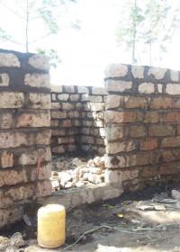 Het huis krijgt vorm, de muren staan bijna, Circle4life Kenia, Huizenbouw, Kamunyu