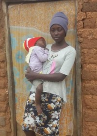 Faith (17) en zieke Freshia (1,5), kappersopleiding, werken aan een toekomst, Circle4life Kenia