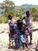 Pauline met haar dochter Teresiah en tweeling Samon en Mary, Kitambaasye, Kenia, crisis aid, family empowerment, Circle4life Kenya